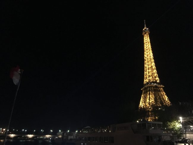 the-eiffell-tower-at-night